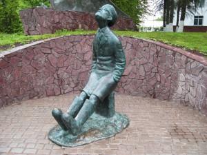 памятник Циолковскому в Боровске