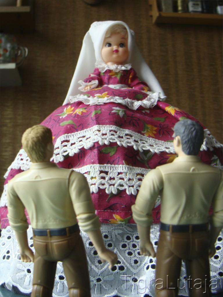 ося и киса и кукла на чайник Линда